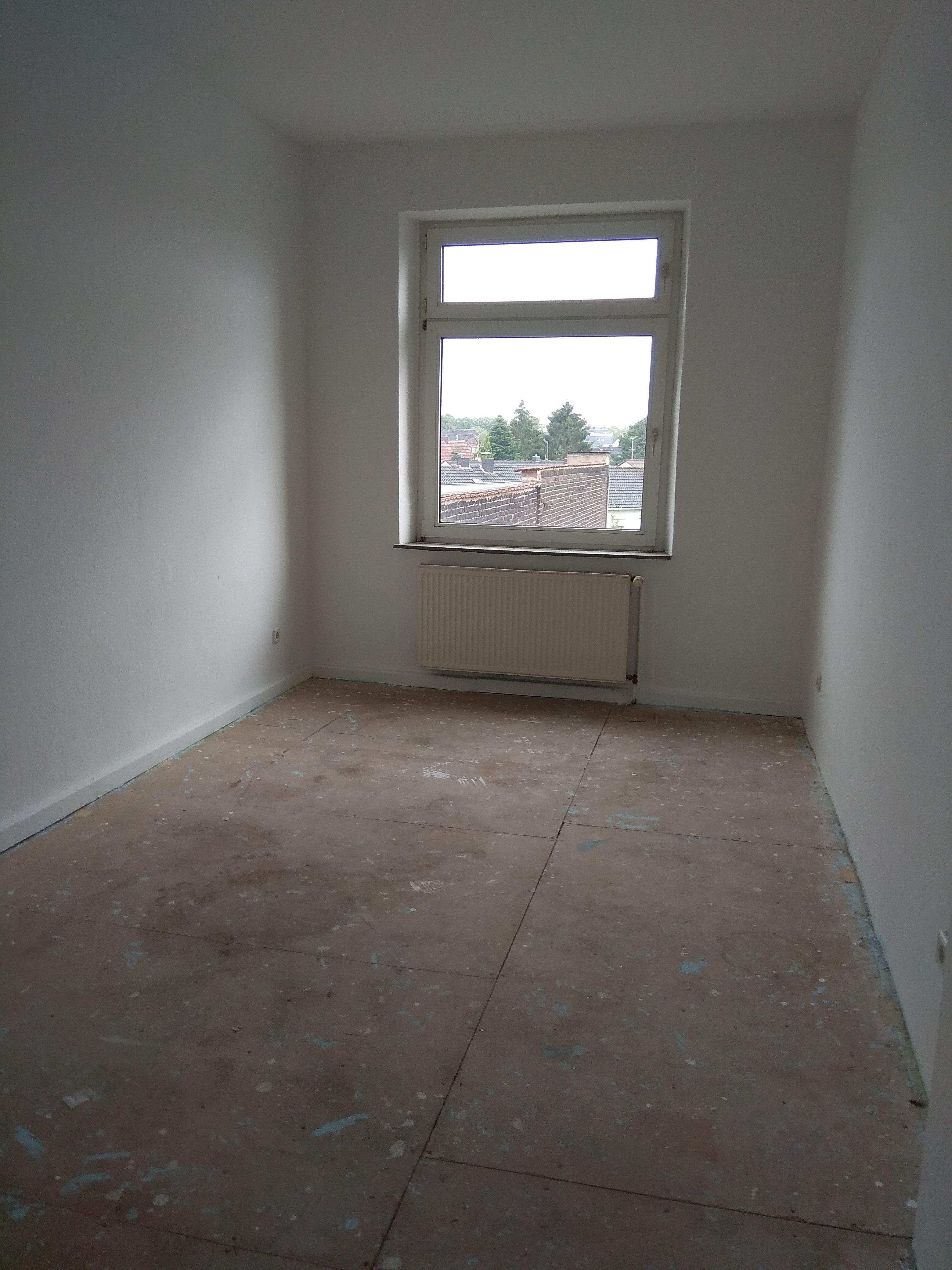 geräumige 3 Zimmer-Wohnung für Heimwerker