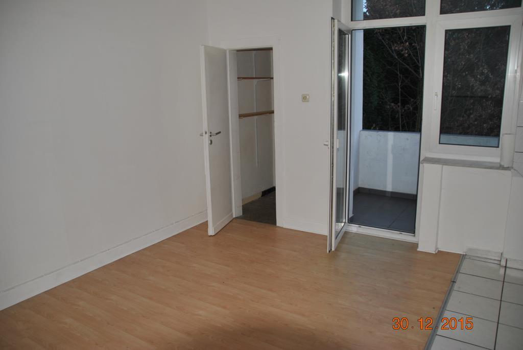 zentral gelegene und WG geeignete Wohnung mit 67m²