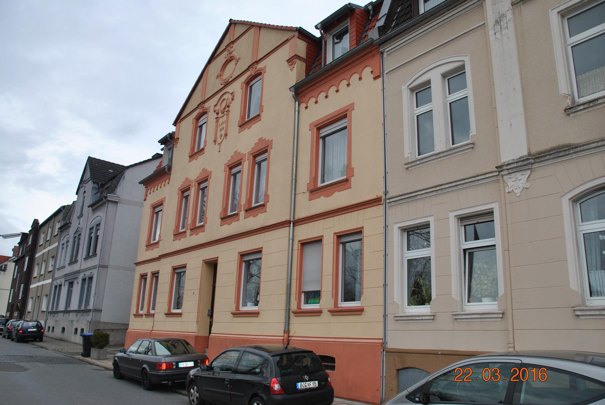renovierte 4-Zimmer Wohnung mit ca. 136 m²