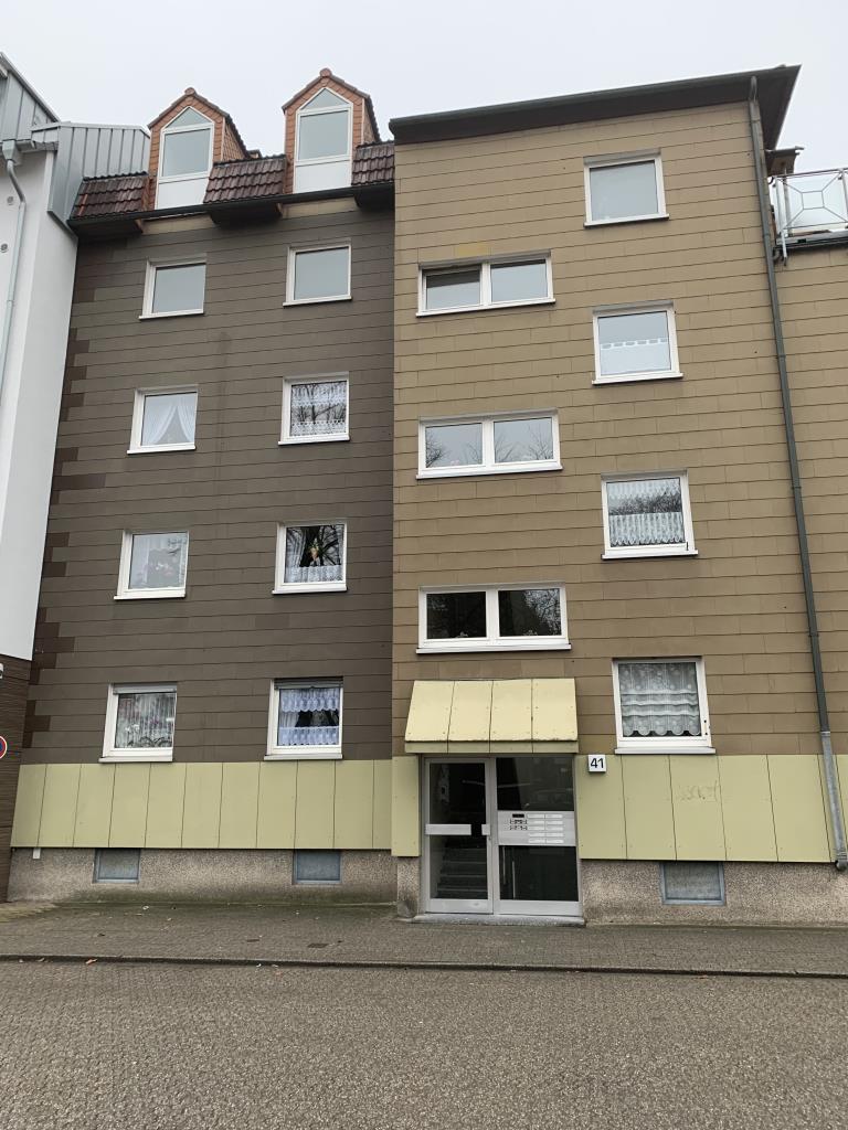 zentral gelegene 3-Zimmer Wohnung mit Balkon (WBS erforderlich)