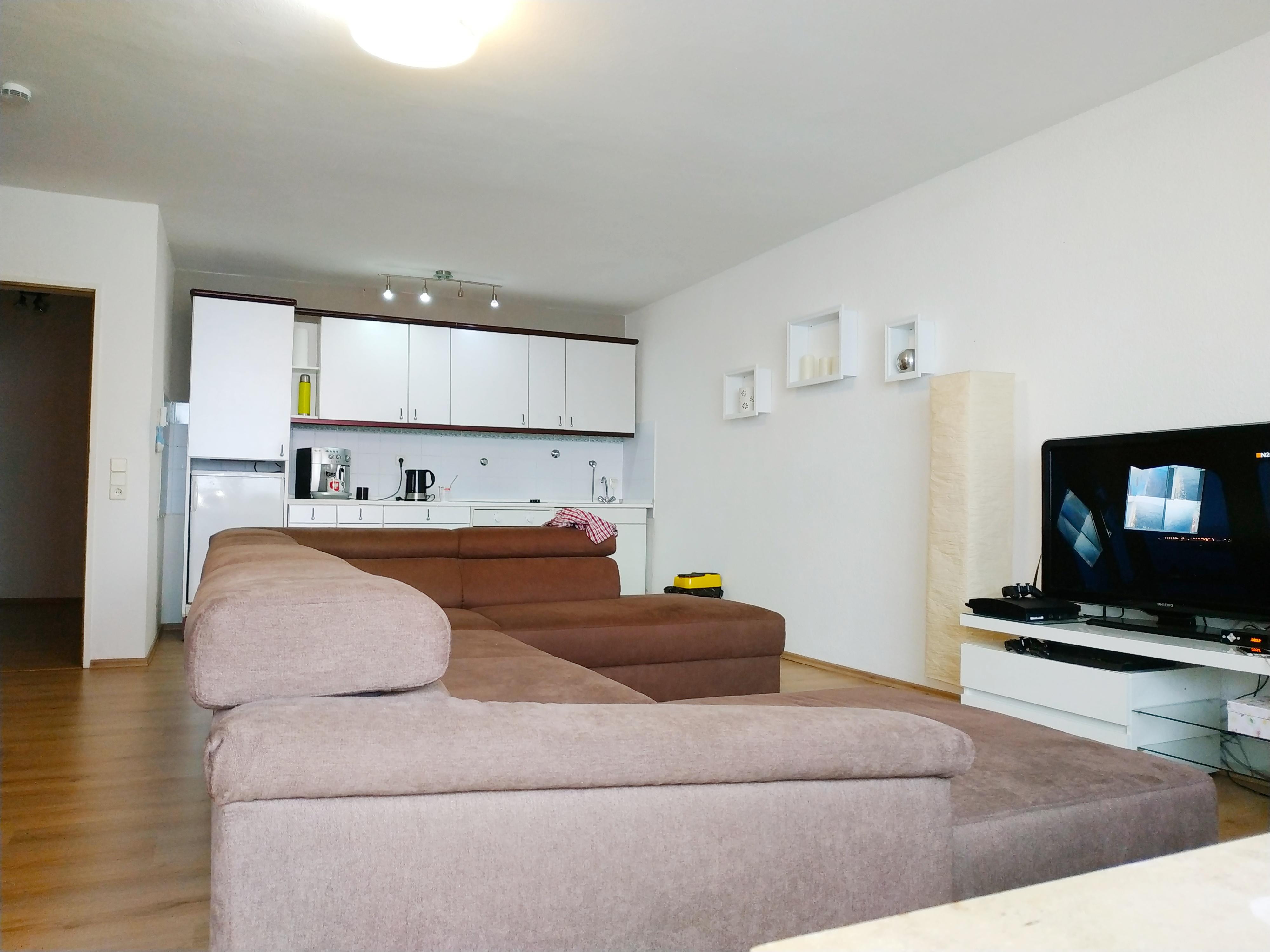 sehr schöne und zentral gelegene 1-Zimmerwohnung mit ca. 48 m² im 1. OG