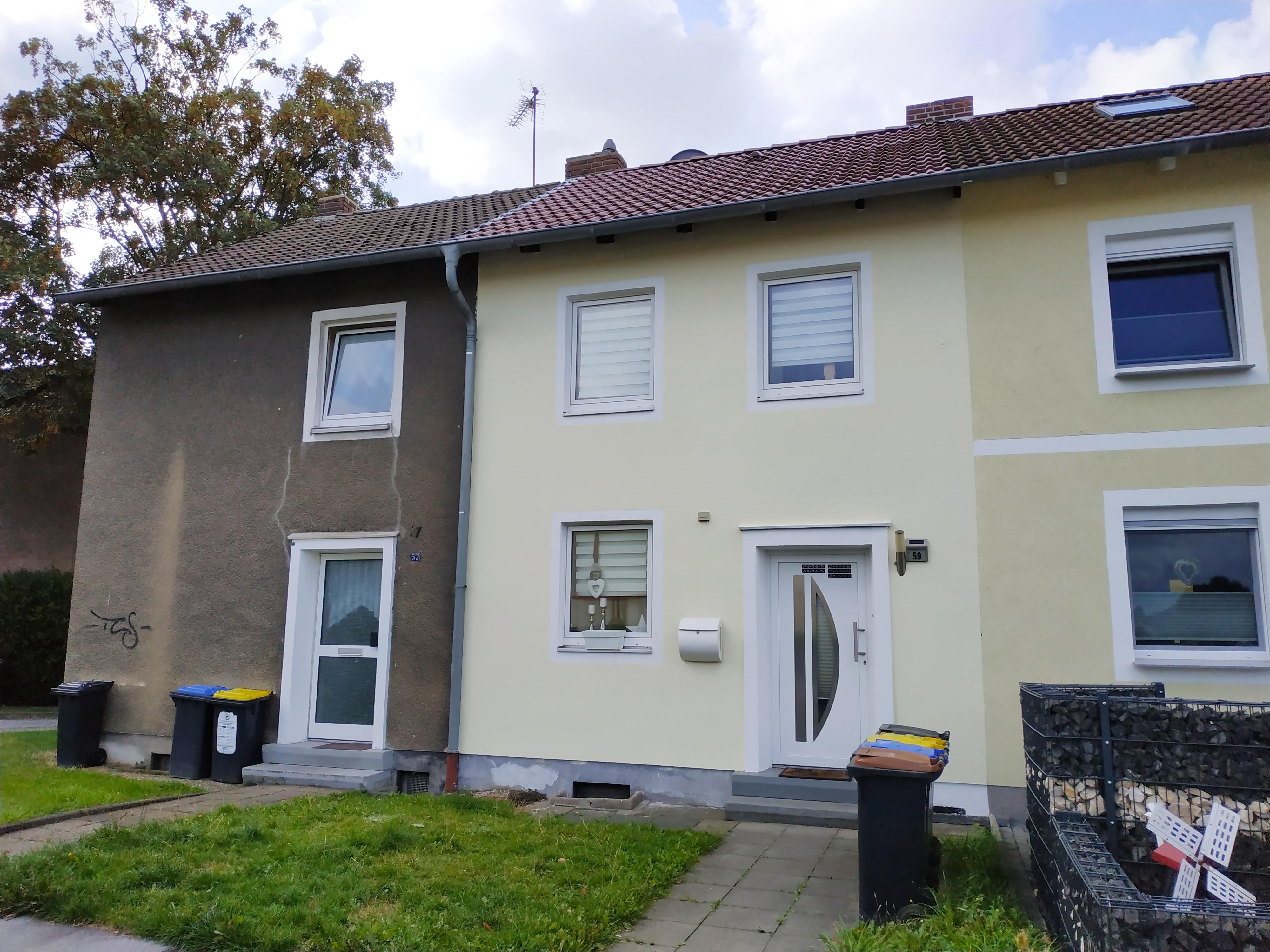 Reihenmittelhaus mit ca. 183 m² Grundstück und einer Garage