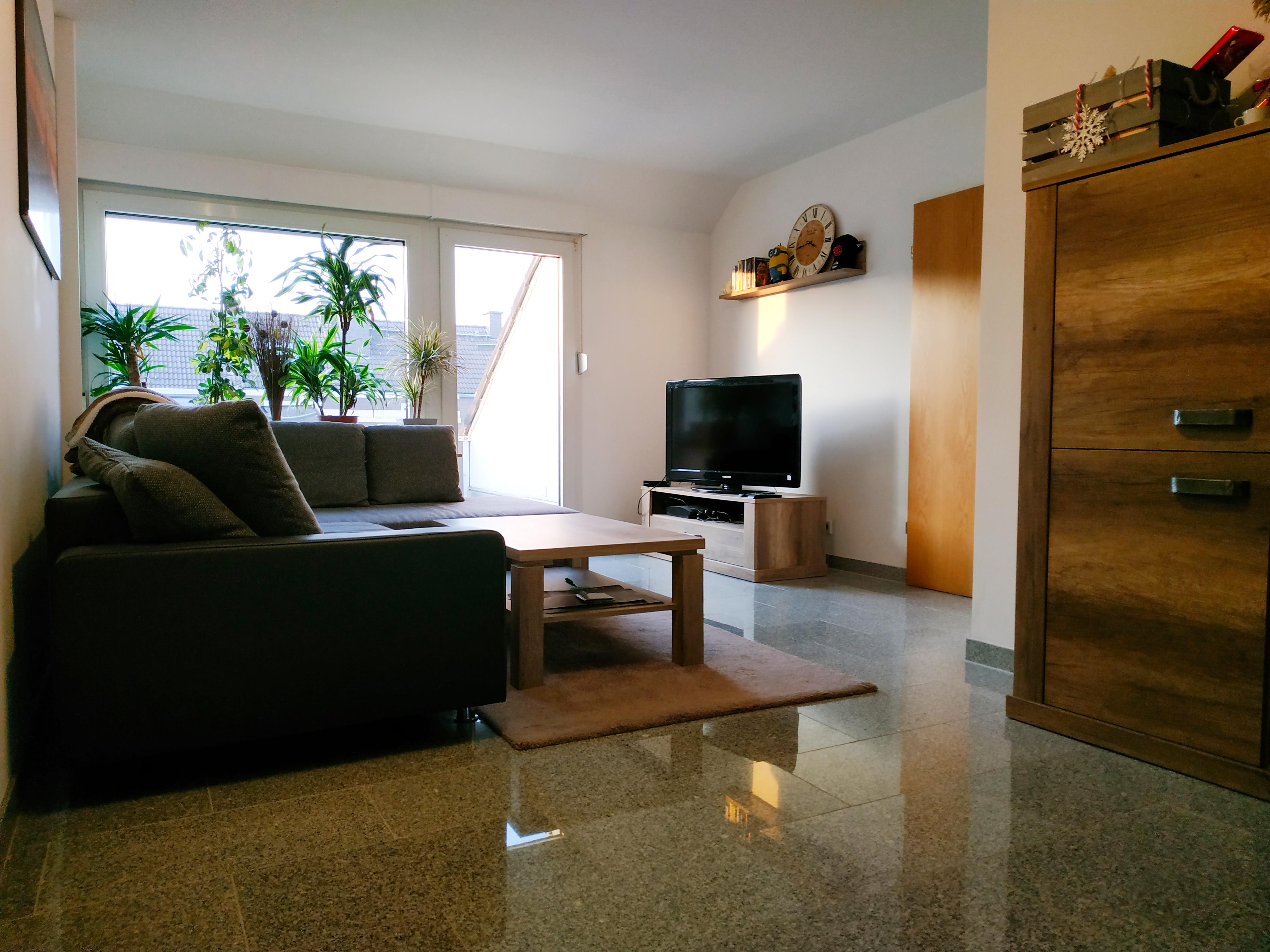 Freundliche 3 Zimmer DG-Wohnung mit Balkon in ruhiger Lage