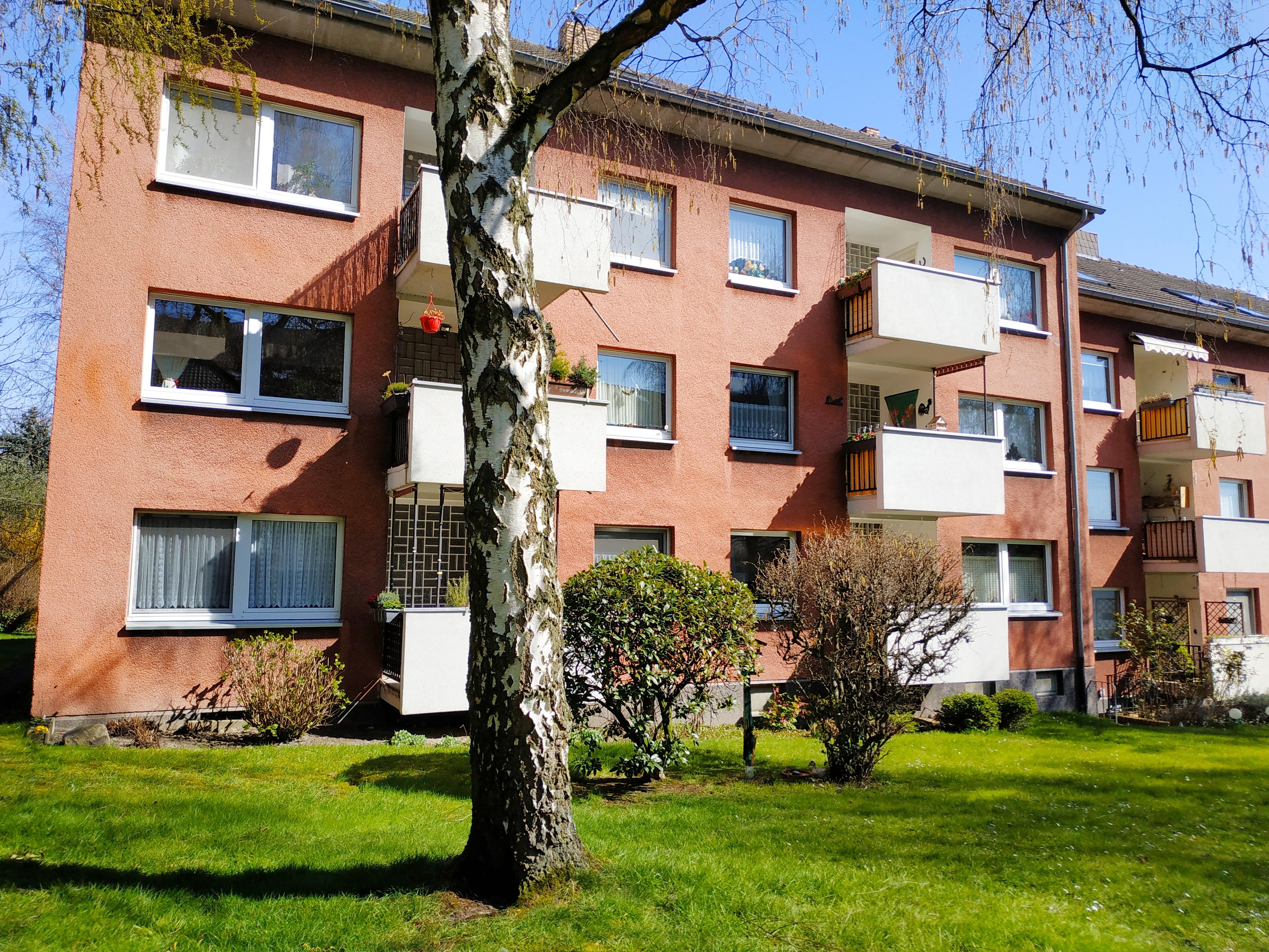 3 Zimmer im DG in ruhigem und grünem Wohnumfeld