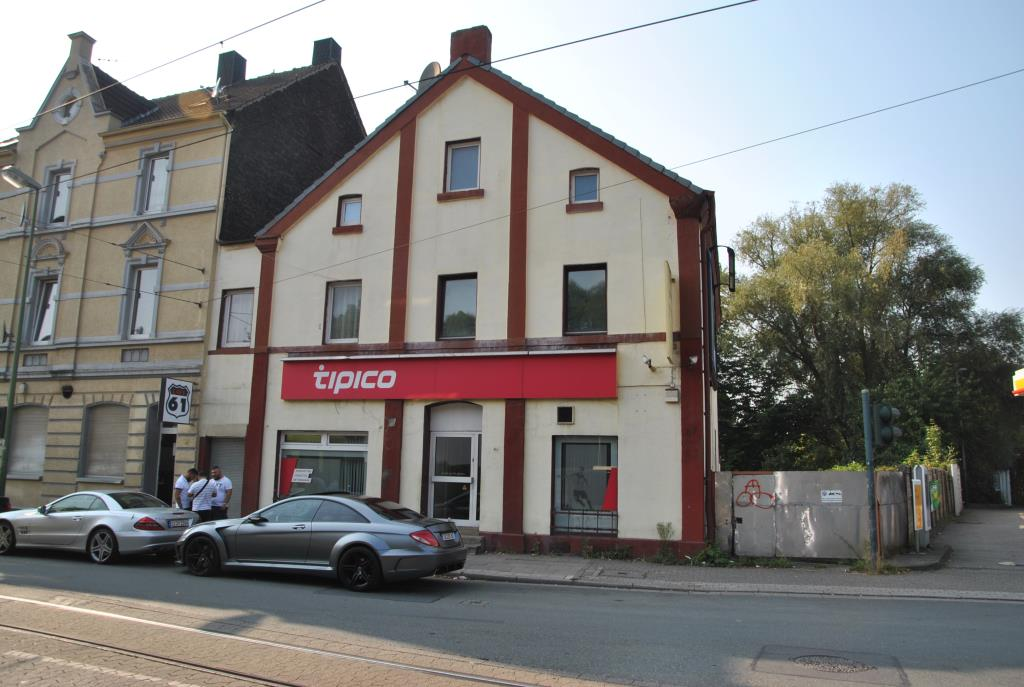ACHTUNG ZWANGSVOLLSTRECKUNG! Wohn- und Geschäftshaus mit ca. 298 m² Wfl./Nfl.