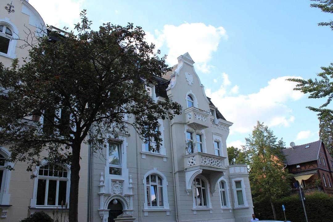 Außergewöhnliche Maisonettewohnung im Villenviertel in fußläufiger Nähe zum Rheinufer!