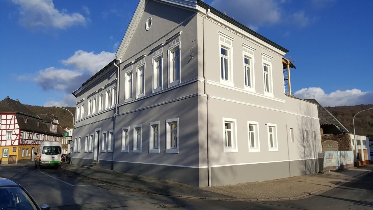 Komplett sanierte 4 Zimmer Wohnung mit loftähnlichem Charakter in Bad Bodendorf!