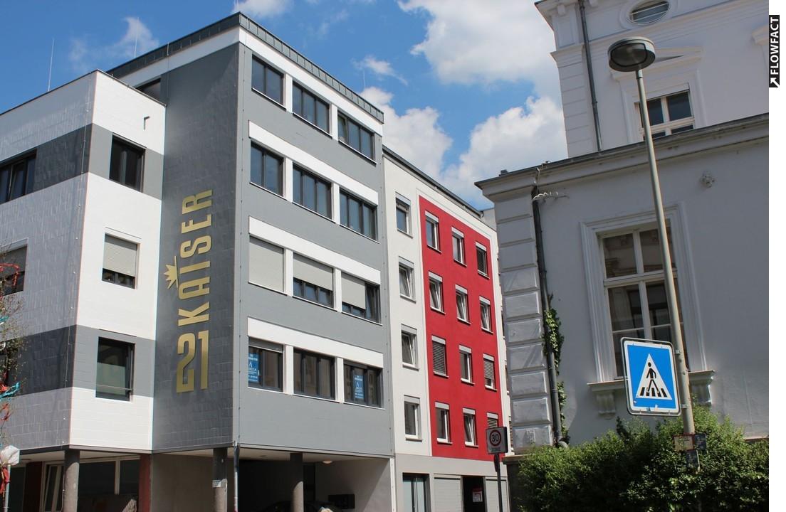 Einzigartig! Kernsanierte 4 Zimmer Wohnung mit Dachgarten in fußläufiger Innenstadtlage!