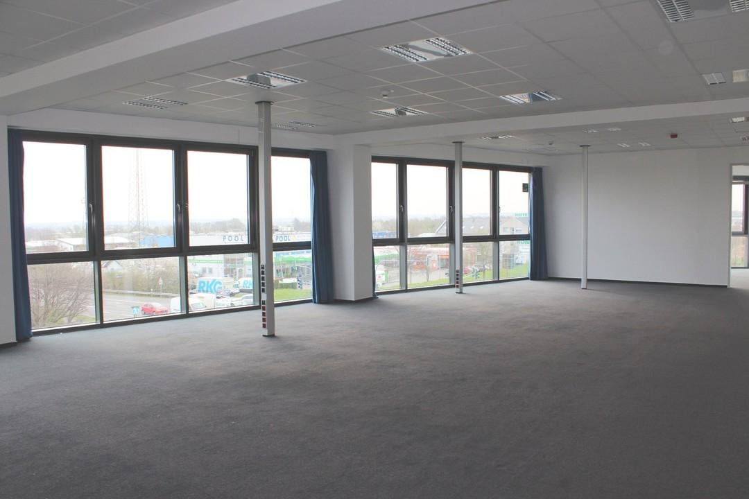 Moderne Büroflächen in Rheinbacher Gewerbegebiet