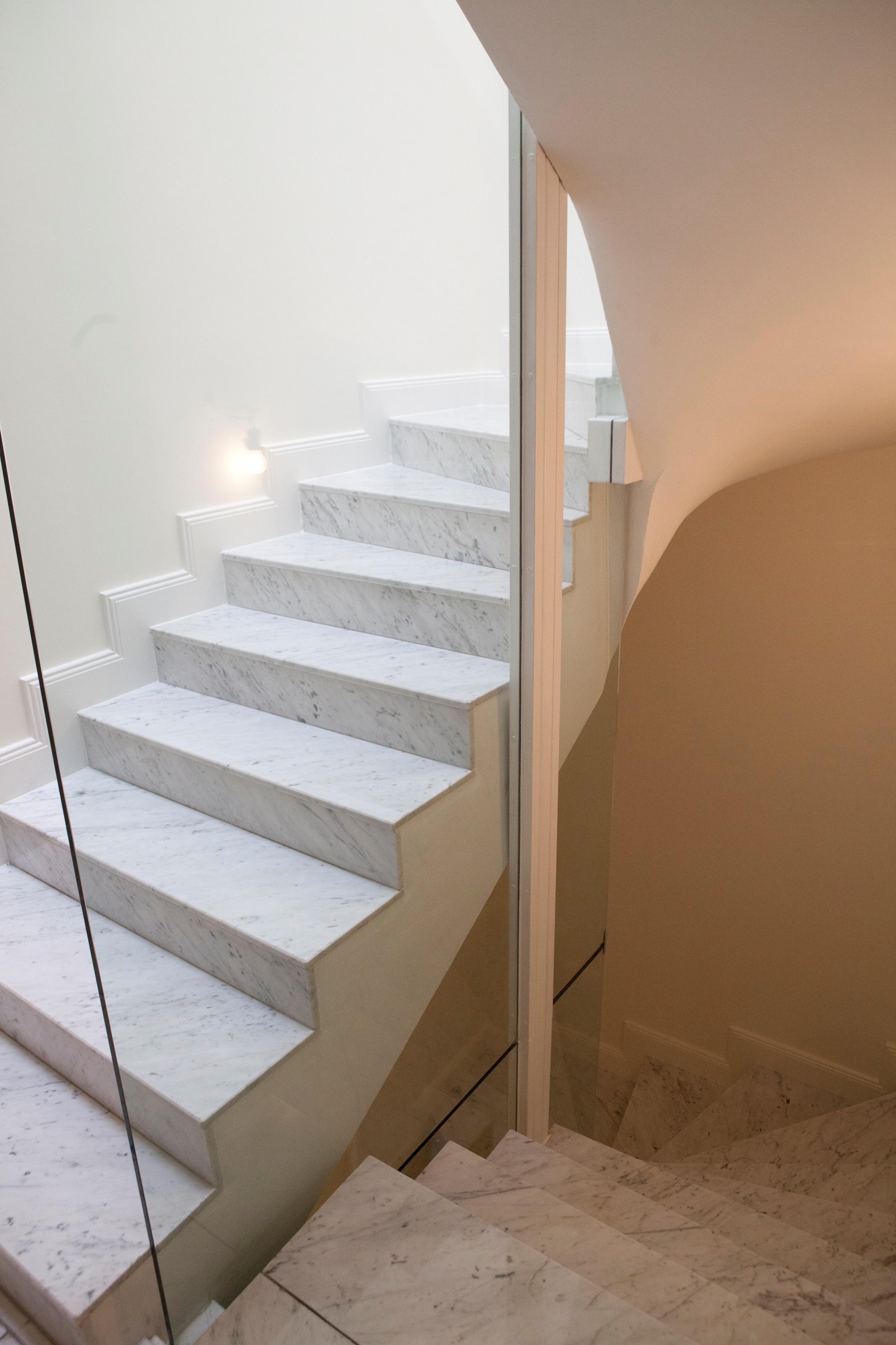 Düsseldorf-Rheinfront: Exklusive Maisonette-Wohnung auf der Cecilienallee!