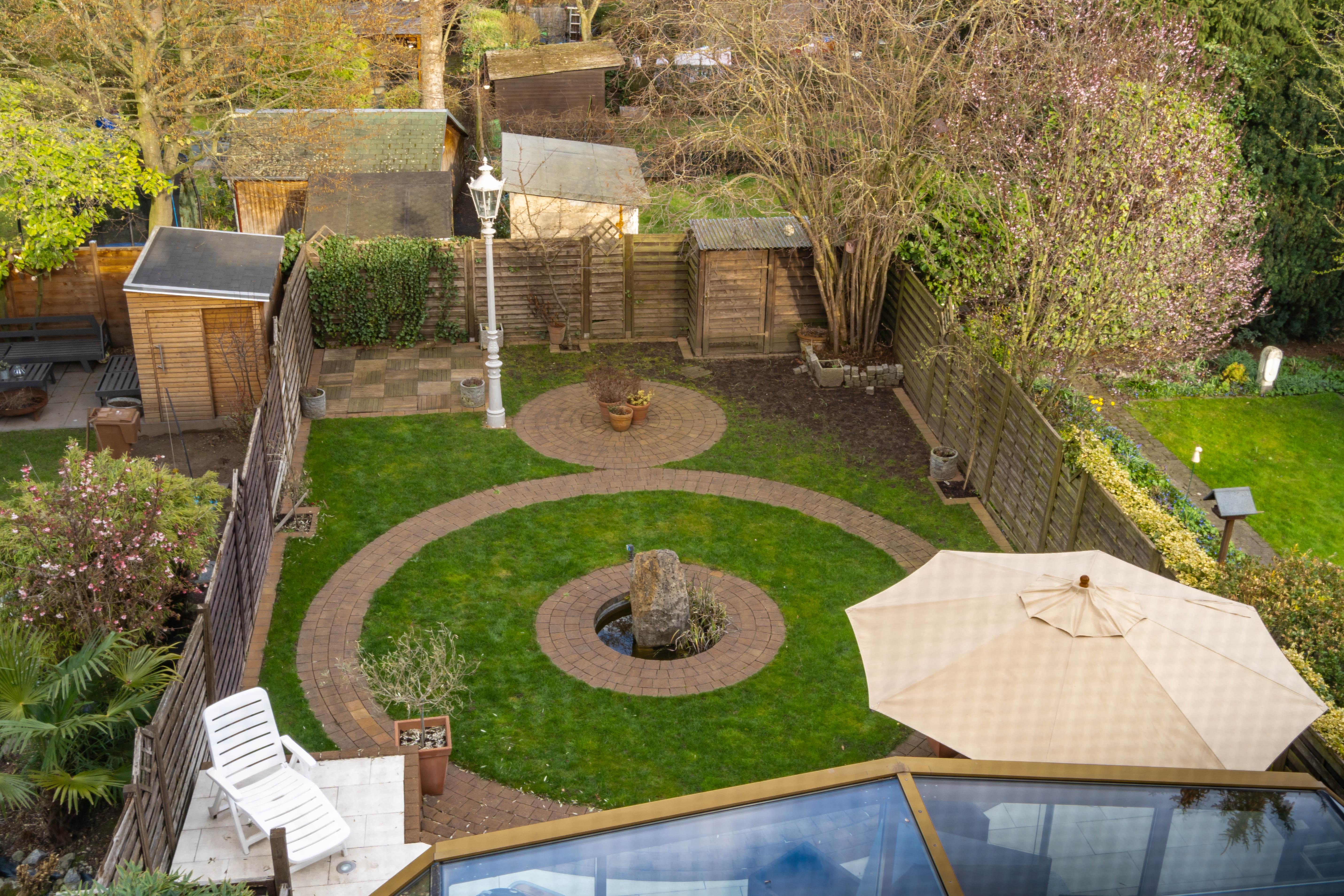 Top-gepflegtes Stadthaus mit wunderschönen Garten in gesuchter Wohnlage