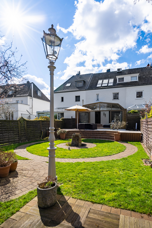Top-gepflegtes Stadthaus mit wunderschönem Garten in gesuchter Wohnlage