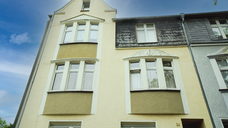 * RESERVIERT * vollvermietetes Mehrfamilienhaus: Stilaltbau mit Mietsteigerungspotenzial