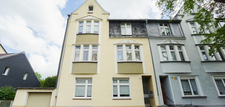 vollvermieteter Stilaltbau mit 4 Wohneinheiten und schönem Grundstück im Düsseldorfer Süden