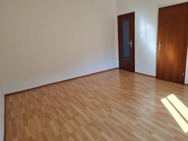 1-Raumwohnung mit wunderschönem Badezimmer und Küchenzeile