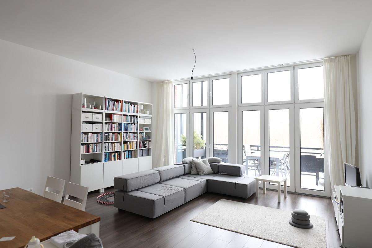 AB SOFORT | Sanierte, gehobene 4-Zimmer Wohnung mit Balkon und Blick ins Grüne