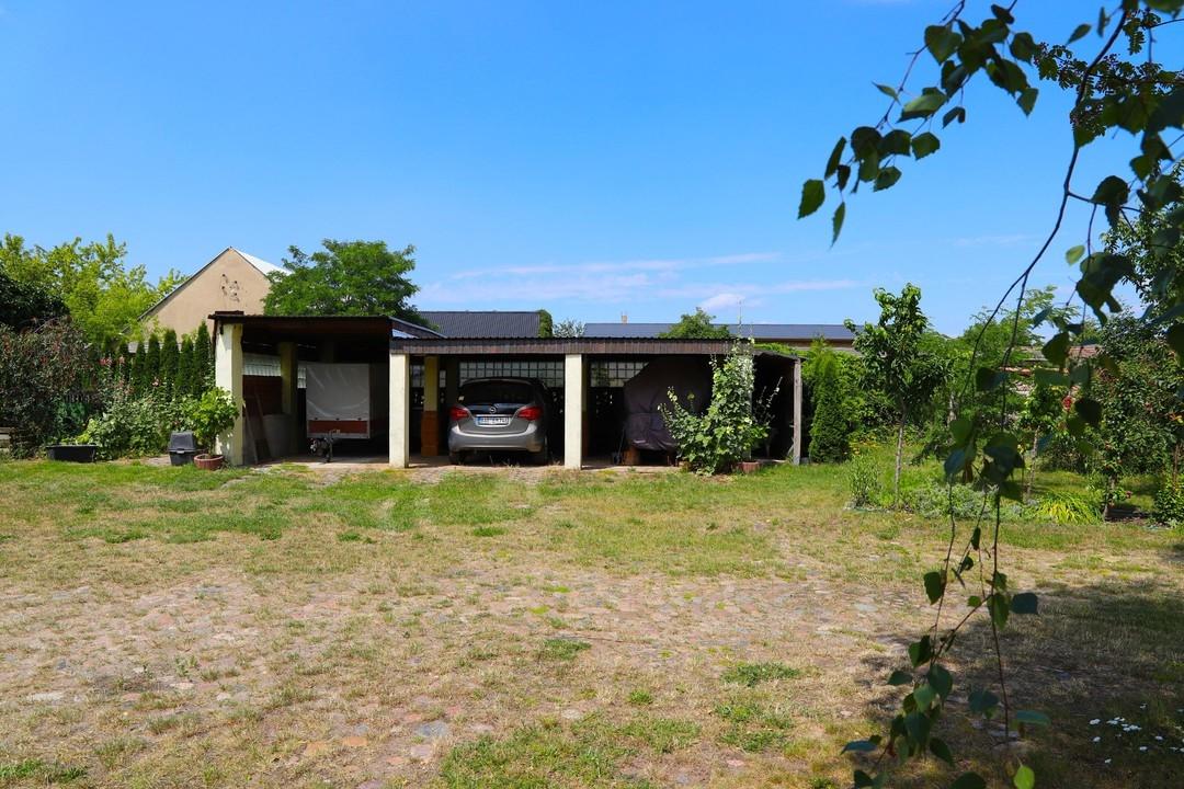 PROVISIONSFREI   Durchsaniertes Mehrfamilienhaus mit viel Nebengelass in grüner Ortslage