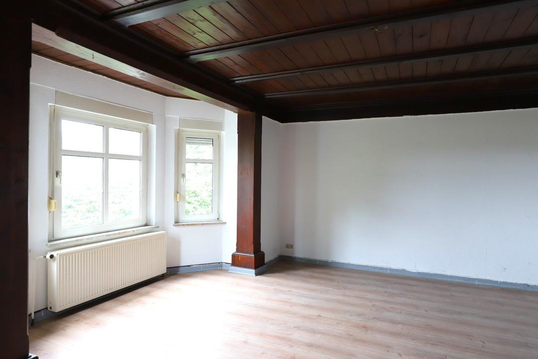 NEUER PREIS |  Großes Haus mit Fachwerk als Unikat mit Nebengelass und Garage in Steinbeck