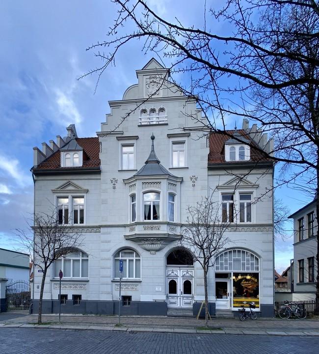 KAPITALANLAGE   Vermietetes Wohn- und Geschäftshaus