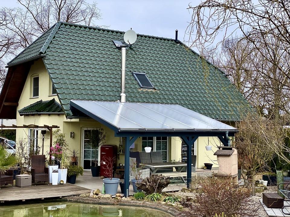PROVISIONSFREI  Einfamilienhaus mit Teich und Kamin in Schönow