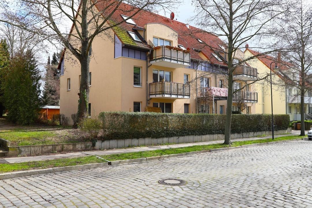 ALTERSVORSORGE   Gepflegte 3 Raumwohnung mit Balkon und 2 Stellplätzen zentrumsnah in Bernau