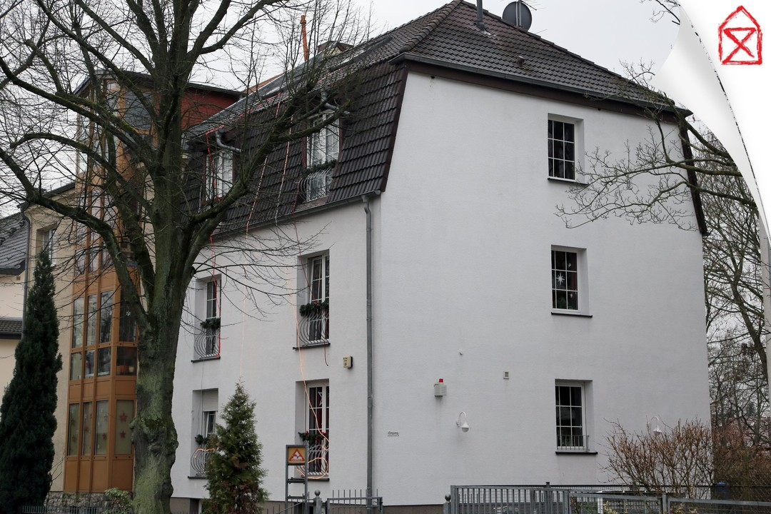 3 Wohnungen für Gewerbe und Betreuung |Komplettes Haus mit Carport und Garten