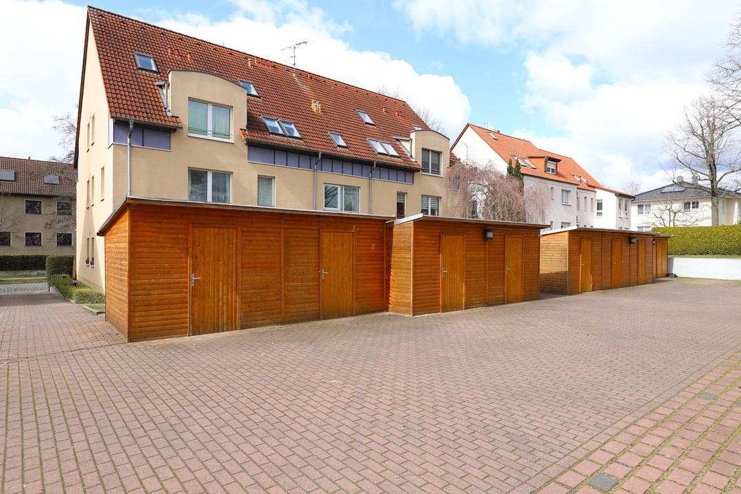 ALTERSVORSORGE | Gepflegte 3 Raumwohnung mit Balkon und 2 Stellplätzen zentrumsnah in Bernau